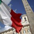 Itaalia lipp lehvimas Roomas parlamendi ees