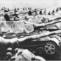Sakslaste tankirivi veeres rünnakule Stalini Nõukogude Liidu vastu. Stalin teadis, et Hitler teda ründab, kuid ei osanud seda oodata nii vara.