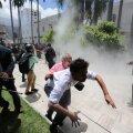 FOTOD ja VIDEO | Venezuelas tungisid Maduro toetajad parlamenti ja asusid opositsiooni peksma