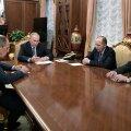 Putin: me peame teadma, kes juhtis suursaadiku mõrvari kätt