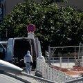 FOTOD ja VIDEO   Marseille's rammis kaubik kaht bussipeatust, üks inimene hukkus