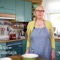 VIDEORETSEPT   Ülihea! Lia Virkus küpsetab äraspidist rabarberikooki