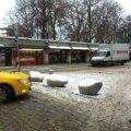 FOTOD: Viru tänavale paigutati liikluspiirangu meenutamiseks betoontuvid
