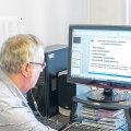 EKI vanemteadur Meelis Mihkla tutvustab subtiitrite helindamise programmi, mis annab vaegnägijate jaoks subtiitritele hääle.