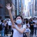 HÜVASTI, DEMOKRAATIA: 2047. aastani püsima pidanud topeltsüsteem enam ei kehti. Hongkong allub Pekingile.