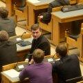 Värske riigikogulane Andrus Ansip tööpostil