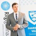 1 septembril 2021 heliseb koolikell Kuressaares riigigümnaasiumis.Täna, teisipäeval,  3. aprillil algusega kell 14 allkirjastasid  haridus- ja teadusminister Mailis Reps ja Saaremaa vallavanem Madis Kallas Saaremaa vallavalitsuses kokkuleppe riigigümnaasiumi rajamiseks Kuressaare linna.Riigigümnaasiumi nimeks saab Saaremaa Gümnaasium ja kooli kavandatakse 540 õppekohta.