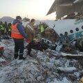 В Казахстане разбился пассажирский самолет с сотней человек на борту. Погибли 12 человек