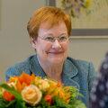 President Tarja Halonen võttis LP vastu oma ametiruumides Helsingi Hakaniemi linnaosas.