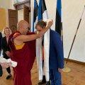 Täna saabus Eestisse Tiibeti eksiilparlamendi pikaaegne liige ning kõrge budistlik laama Thubten Wangchen