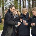Endised õpilased käisid Kalju Komissarovi haual