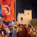 Kümme aastat pärast araabia kevadet katkes inimeste kannatus. Tuneeslased tulid jälle tänavaile, sest neil pole tuleviku ees kindlustunnet.