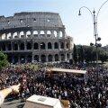 Meeleavaldajad Colosseumi juures