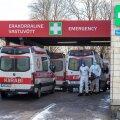 Haiglates on olukord kriitiline. Koroonaosakonnad on mõnel pool juba täis, ent raskes seisus patsiente tuleb muudkui juurde.