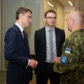 Prime Minister Taavi Rõivas and Defence Minister Sven Mikser welcoming Estonian servicemen home