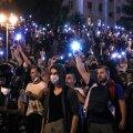 Minskis trotsisid kümned tuhanded meeleavaldajad eile öösel kummikuule ja šokigranaate.