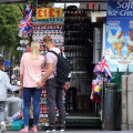 Британцам рекомендуют проводить отпуска на родине из-за COVID-19