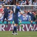 BLOGI | Teadvusetult kokku kukkunud ja haiglasse viidud Taani koondise staar soovis, et mäng jätkuks. Soome võitis ajaloolise matši, Taani jättis penalti realiseerimata