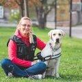 Reelika Kaasikule meeldib koeri treenida läbi mängu ja positiivse motivatsiooni, nii on koer alati valmis tegema seda, mida temalt oodatakse.