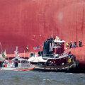 VIDEO | USA rannikuvalve päästis keresse augu puurides ümber läinud laeva lõksu jäänud meremehed