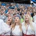 """Pühapäevasel laulupeo kontserdil lauldi omaalgatuslikult """"Laulu Põhjamaast""""."""