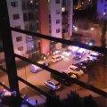 Politsei ja kiirabi Raadiku tänaval.