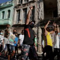 На Кубе вспыхнули антиправительственные протесты. Последний раз такое было 30 лет назад