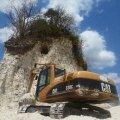 Maiade püramiid jäi buldooseritele ette - aastatuhandete pärand jõudis tee täiteks