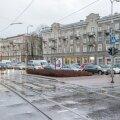 FOTOD: Tallinna tänavad on jõulureedel autodest umbes