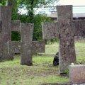 Eestlased usulisi tavasid suurt ei järgi, aga kalmistupühi peavad küll