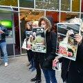 FOTOD | Loomakaitsjad protestisid Tallinnas ja Tartus Rimi munade päritolu vastu vastu