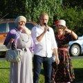 Vallavanem küladepäeval koos Luule ja Aadaga kõnet pidamas