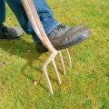 Aiahargiga on hea teha augud kamarasse väikesel pinnal