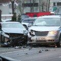 VIDEO ja FOTOD | Merivälja teel põrkasid kokku kaks autot