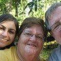 Семья Ребекки Диксон, которая была зачата с помощью искусственного оплодотворения, случайно выяснила, что ее биологический отец - доктор, который помогал семье зачать ребенка