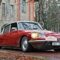 PARAADPILT: Puhkeasendis, alla lastud kerega Citroën – sedasi ei tee just paljud autod.