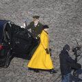 FOTOD | Särav, klassikaline ja moodne: president Kersti Kaljulaid kandis täna Eesti ühe trendikama moemaja mantlit