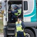 DELFI FOTOD: Politsei tabas Tallinnas ja Harjumaal kuus joobes juhti – vaata, kuidas veokijuhilt sõiduk üle võetakse