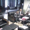 Videost võetud fotofragment möödunud aasta 20. oktoobril, kohalike omavalitsuste valimise päeval, peetud koosolekust, kus kuritegeliku maailmaga vähem või rohkem seotud isikud püüdsid oma kandidaati Tallinna esinduskogusse sokutada.