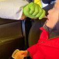 VIDEO JA SELGITUS   Kuidas annavad väiksed lapsed koroonaproovi kurguloputusveest ja mis võib minna valesti?
