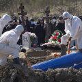 Россия вышла на третье место в мире по уровню распространения COVID-19. С момента начала эпидемии умерли более 2000 человек