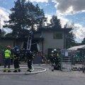 Täna kell 15.16 said päästjad väljakutse eluhoonetulekahjule Nõmmel Paplite puiesteel. Kohale reageerisid päästekomandod Kesklinnast, Lasnamäelt, Lillekülast ja Nõmmelt.