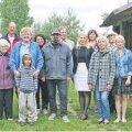 Lutsu küla rahvas koos riigikogu esimehe Ene Ergmaga. Foto: Jaan Konks