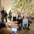 FOTOD | Niguliste muuseumis särab Tallinna uhkeim jõulupuu. Ehted valmistas Taivo Pilleri ja Mart Haberi firma