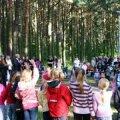 Need 1. klassi koolijütsid võisid eelmisel augustil Pirita linnaosa koolialgusepeol rõõmsalt metsas lustida. Nende koolikoht oli kindel
