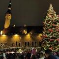 На Ратушной площади открыт рождественский рынок