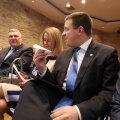 Фонд госреформы передал пакет реформ руководителю Рийгикогу и председателям парламентских партий