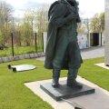 Дважды казненный: сначала он был заживо сожжен нацистами, а в независимой Эстонии был обезглавлен памятник советскому герою