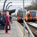 Suur osa Anija valla elanikest käib rongiga tööl. Perearst Maire Posti sõnul võib ka rong olla just see koht, kust inimesed nakkuse saavad.