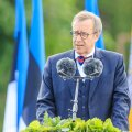 President Toomas Hendrik Ilves võidupüha paraadil Võrus kõnet pidamas